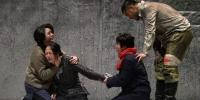 原创话剧《殇城》讲诉的是1937年冬天发生在南京城内的事情。 泱波 摄 - 江苏新闻网