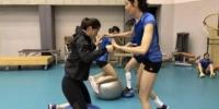 中国女排积极备战2018世界女排联赛总决赛。主办方供图 - 江苏新闻网