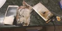 充电时自燃损坏的小米手机。 - 新浪江苏