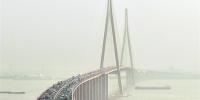 【新时代 新作为 新篇章】天堑变通途,2025年,江苏已建在建跨江桥隧将超过30座 - 新华报业网