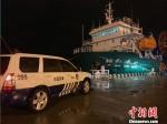 海事人员在执法。 唐志勇 摄 - 江苏新闻网