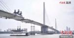 在建中的南京长江第五大桥。直播画面 - 江苏新闻网