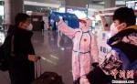 """南京市长韩立明在作政府工作报告中,特别点名感谢了城市日常的""""维护者""""们。(资料图) 泱波 摄 - 江苏新闻网"""